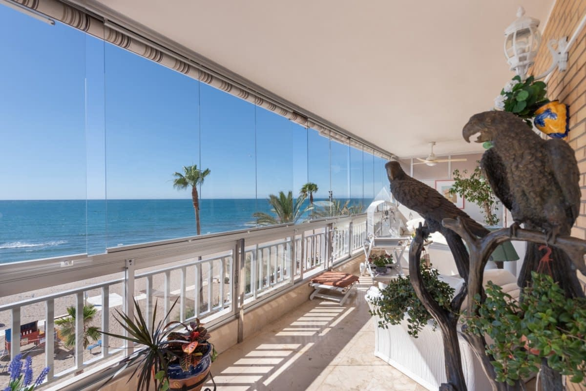 FRONT LINE BEACH APARTMENT, LOS BOLICHES, FUENGIROLA.