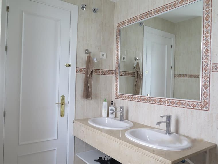 5781294-31218-Benalmadena-Apartment_Fit_1600_1100